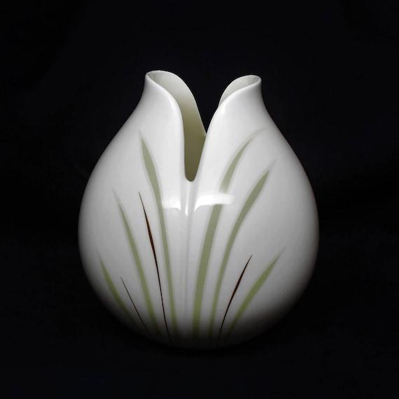 Royal Doulton Tulip Vase Royal Doulton Vases Royal Doulton Etsy