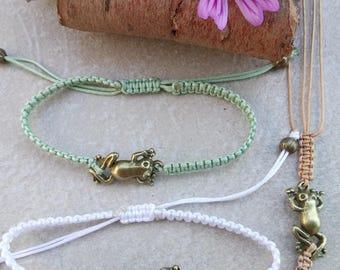 Bronze frog macramé bracelet