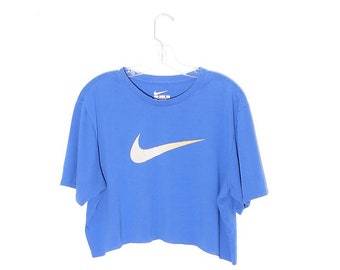 0669a9958ef1c 90s NIKE CROP TOP cropped t shirt nike shirt nike tee swoosh just do it  logo tshirt 90s crop top 90s clothing boxy oversized sporty athletic