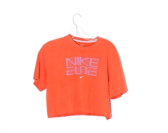 cd29476b2b028 90s NIKE CROP TOP adorable sporty cropped t shirt nike shirt nike tee  tshirt 90s crop top 90s clothing boxy oversized sporty athletic