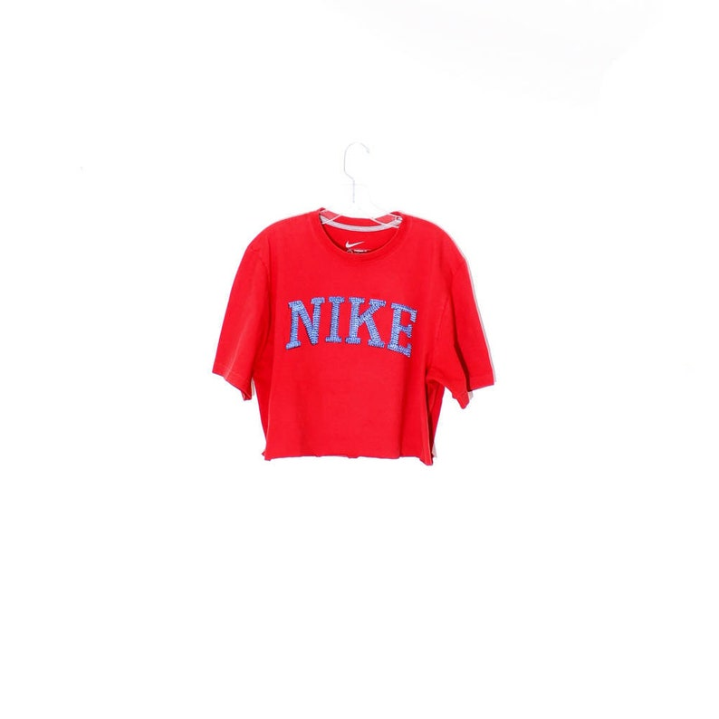 a1fa3bde945a1 Coolest vintage red NIKE CROP TOP   cropped t shirt nike shirt