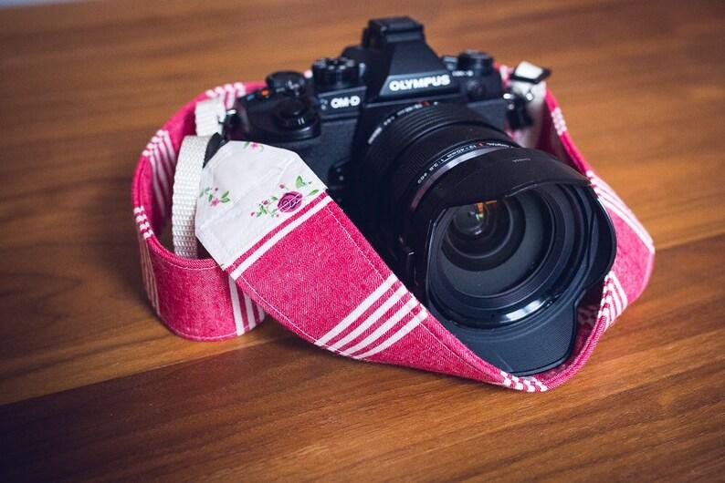 Exclusive camera strap image 0