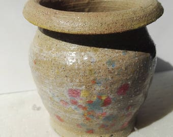 Handcrafted stonewear pot