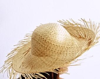 f1dbe299fd7 Straw beach hat