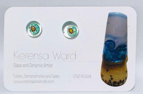 Handmade Glass Stud Earrings beautiful green, white, yellow and red flower under a clear lens murrini italian SRA J57 Lampwork