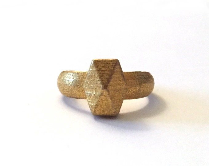 Vertical Hedron Ring in Polished Gold Steel // Geometric Ring // Industrial Look Jewelry // Textured Metal Ring for Her // Modern Jewelry