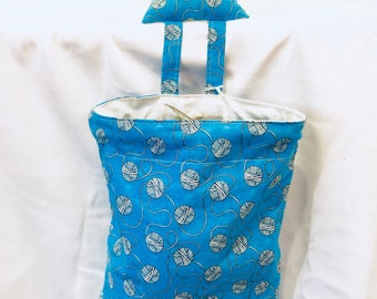 Hanging yarn bowl / scrap catcher Bright Blue Yarn Print