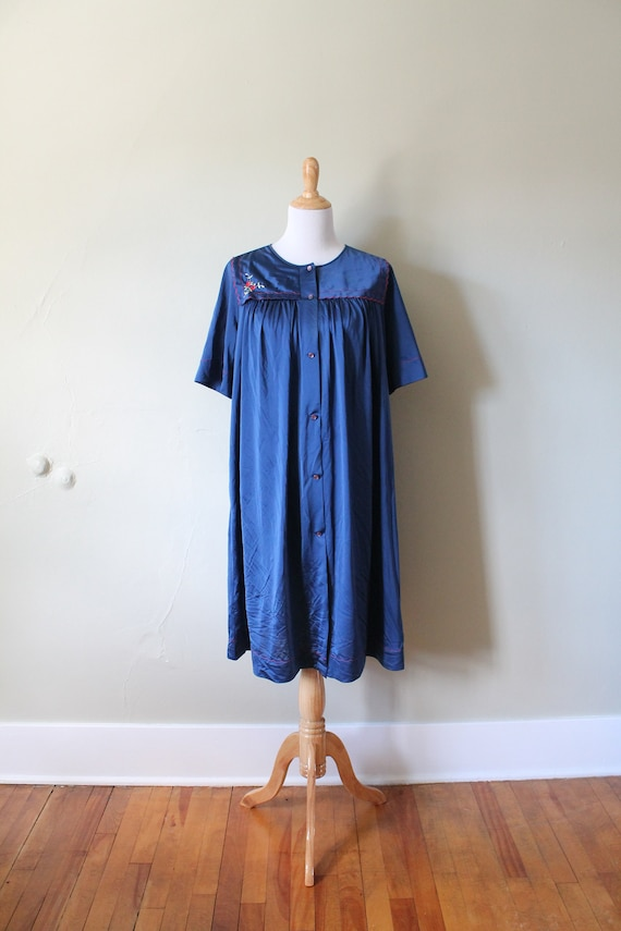 1970s Vintage Embroidered Nightgown
