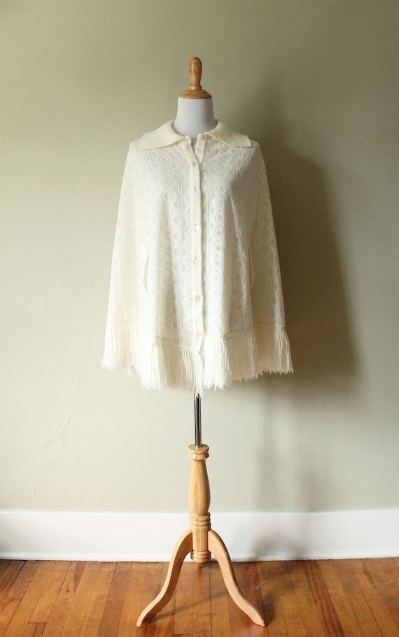 1970s Vintage Knit Cape // Poncho