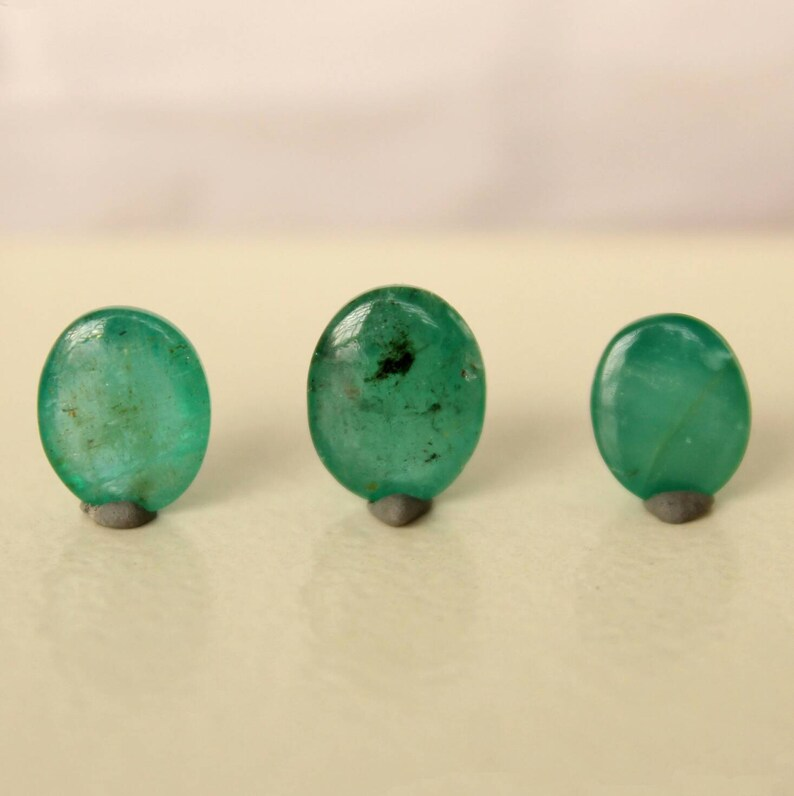 11.93Cts Beautiful Natural Green Emerald Loose Stone Oval Cabochons