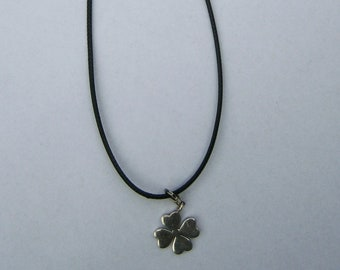 Silver 925s charm; Clover Four, charm of Thomas sabo to leather wax cord