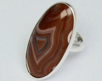 Agath and silver 925 ring. Natural cabochon and first degree silver ring.