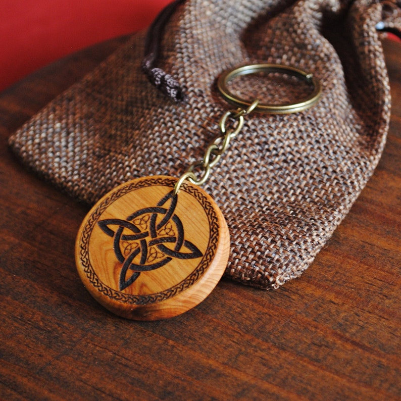 Protective keychain Witch Knot image 0