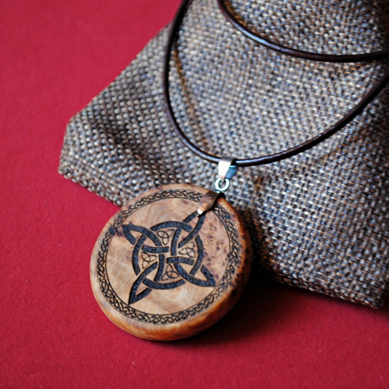 Witch knot. Protective amulet. Talisman. Wicca. Pagan. Luck. image 0