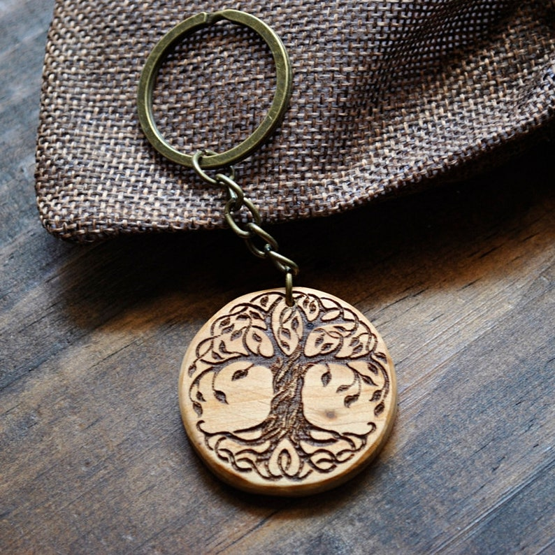 Tree of life. Pyro-etched juniper wood keychain. Custom image 0