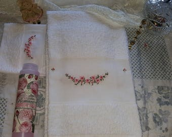 Hand Embroidered Towels Set