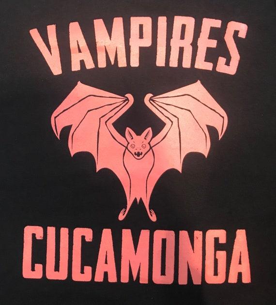 Men/'s CUCAMONGA VAMPIRES CAR CLUB Vintage 1950s 1960s HOT ROD Rockabilly T-Shirt