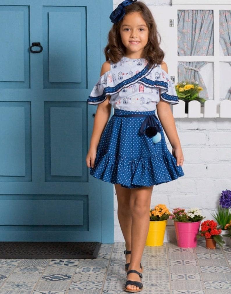 7b454f21c Blusa de hombros descubiertos y falda de capa 2 PATRONES de Costura en PDF  ** tallas de 3 a 12 años **conjunto de niñas Diseño español