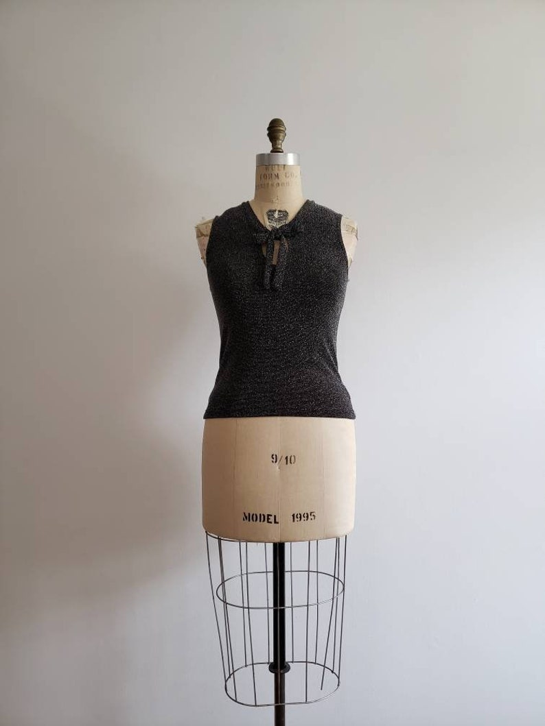 stretchy knit evening top size smallmedium SM 1990s black and silver metallic sleeveless cropped blouse with pussy bow Vintage 90s