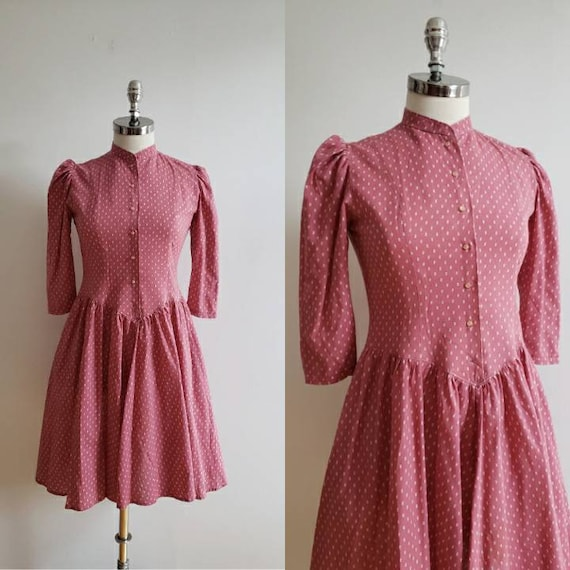 Vintage 40s, 1940s dusty pink and white fit and fl