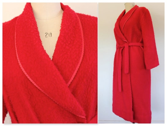 "Fuzzy Elmo Vintage Robe, 44"" Bust, Red Dressing Go"