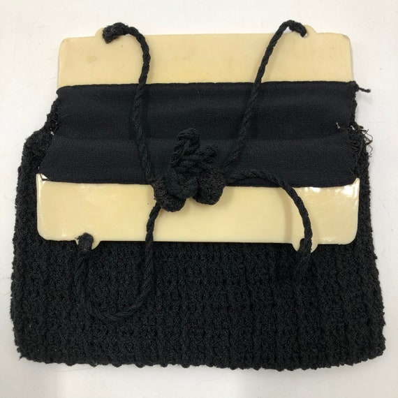 Vintage 1940's Carved Lucite and Knit Purse - image 4