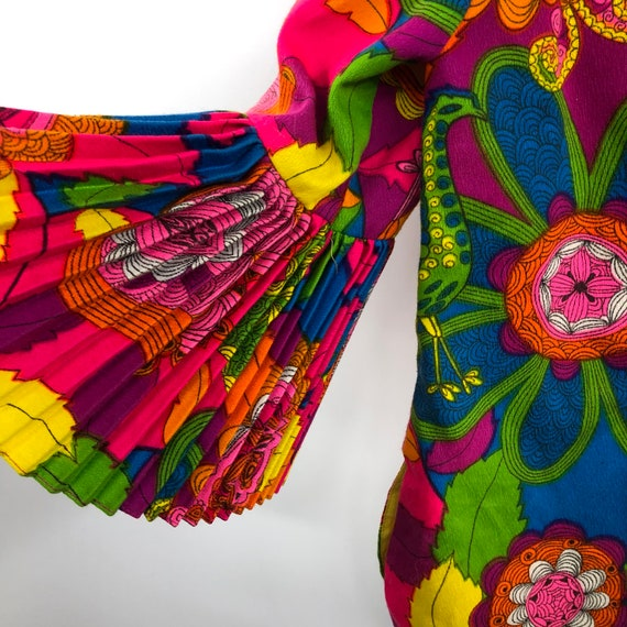 Vintage 1960's Bright Psychedelic Print Blouse - image 5