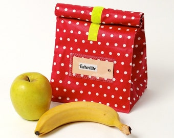 Bread bag made of coated cotton, red with white dots, water-repellent