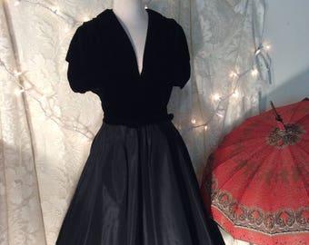 1950's black velvet / taffeta dinner dress, party dress