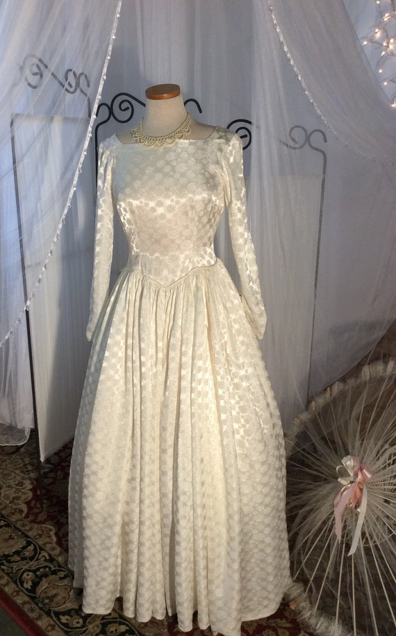 1970's satin embossed wedding gown, ivory satin, f