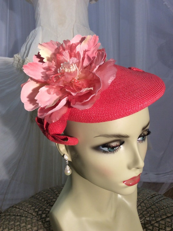 Vintage 1950's little coral straw calot style  hat