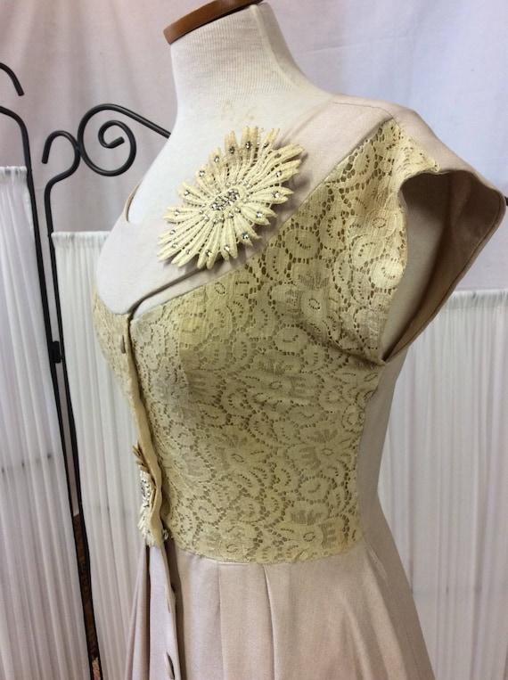 1950's Linen& Lace summer dress, light yellow day… - image 4