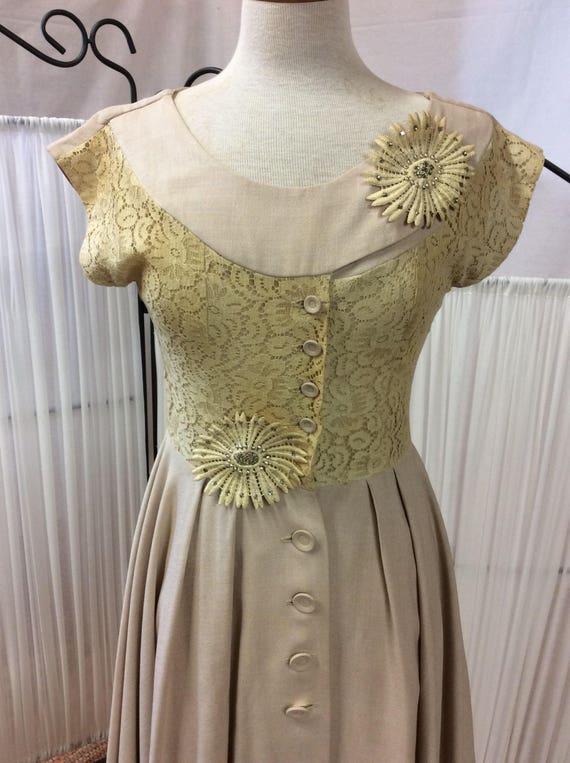 1950's Linen& Lace summer dress, light yellow day… - image 3