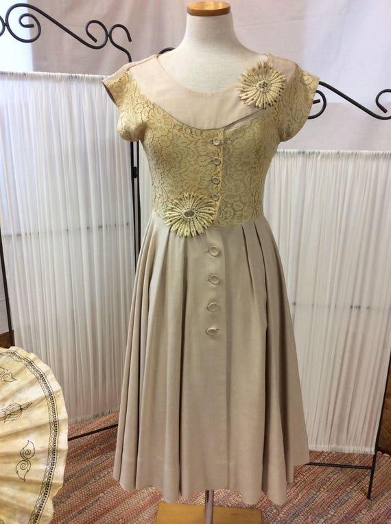 1950's Linen& Lace summer dress, light yellow day… - image 1