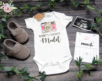 f12d86123 Camera Baby Onesie ® for Pregnancy Announcement or Baby Reveal , Cute Baby  Clothes , New Baby Shower Gift , Girls Onesie, Photographer Mom