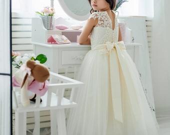 6074b6261 Tulle flower girl dress