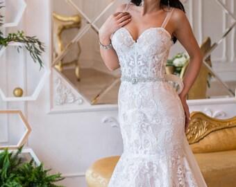 Lace Wedding Dress Samanta, Unique Wedding  Dress, Beach Wedding Dress,Open Back Gown,Sexy Wedding Dress,, Boho Wedding Dress
