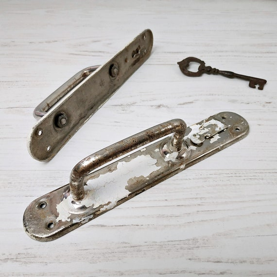 Pair of Vintage Style Round// Victorian  Glass Door Knob Handle Drawer Pulls