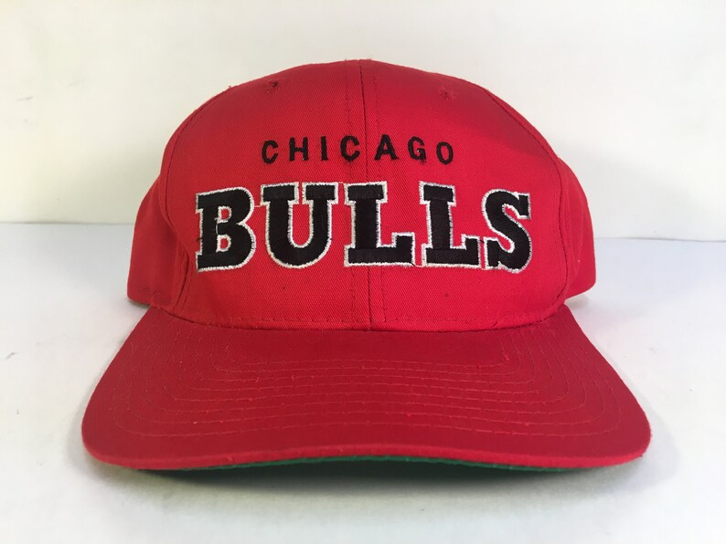 VTG Starter Chicago Bulls Spell Out Snapback Hat Red The  606de7716610