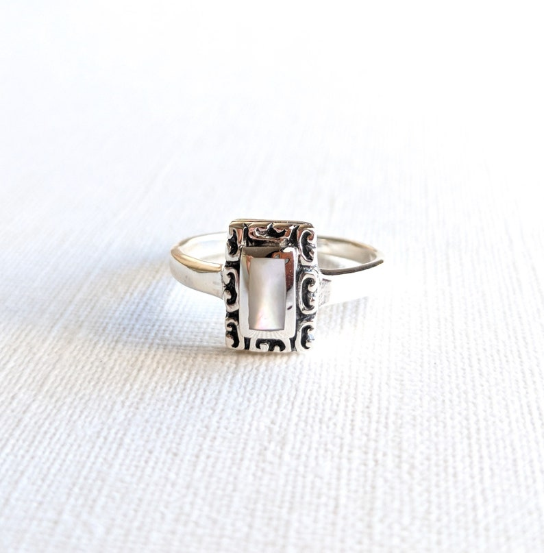 sister or best friend mother of pearl ring promise ring -gift for daughter MOP ring antique ring pink shell ring 925 vintage ring