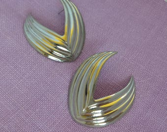 Silver Tone Metal Earrings