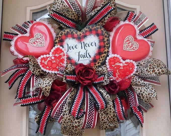 Valentine Wreath, Heart Wreath, Wreaths, Wreath, Valentine's Gift, Red Wreath, Holiday Wreath, Valentine Day Wreath, Designer Wreath