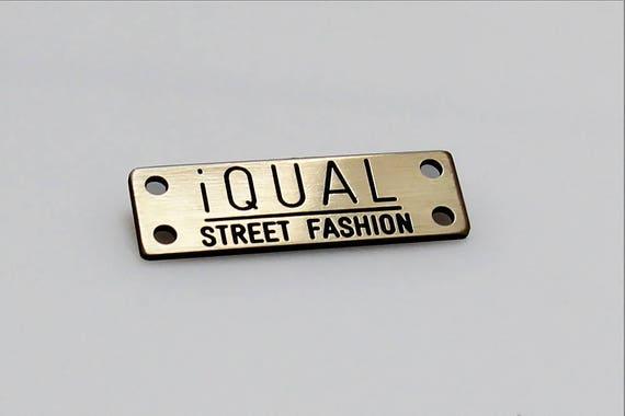 individuelle kleidung etiketten 25 st ck graviert metall. Black Bedroom Furniture Sets. Home Design Ideas