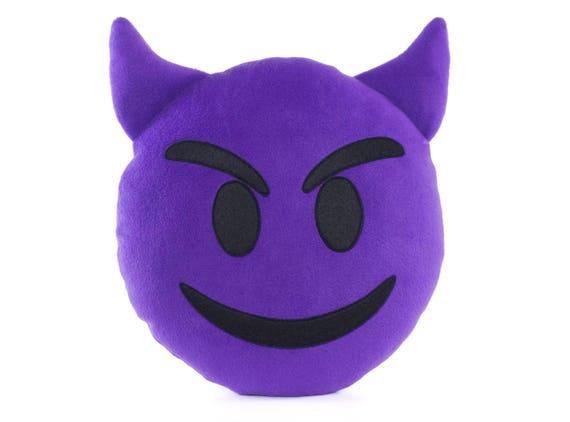 Emoji Kussens Kopen : Imp gezicht emoji kussen lachend gezicht met hoorns paarse etsy