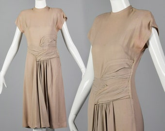 XS 1940s Mauve Dress with Gorgeous Gathering Short Sleeve Dress Rayon Day Wear Theater Costume Pattern 40s Vintage
