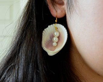 Mermaid Sea Shells and Pearls Earrings // Jewelry