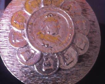 Large Round Silver  Textured Metal With a  3 D Queen Medallion Coin Centerpiece Belt Buckle