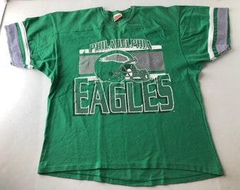 e08af63c465 Vintage 90s philadelphia eagles football jersey style t-shirt mens L nfl