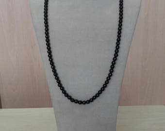 Rosary Necklace 99 Black jade balls mounted on white gold chain 750/* * *