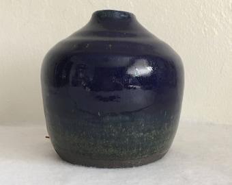 Short single flower / small bunch blue vase